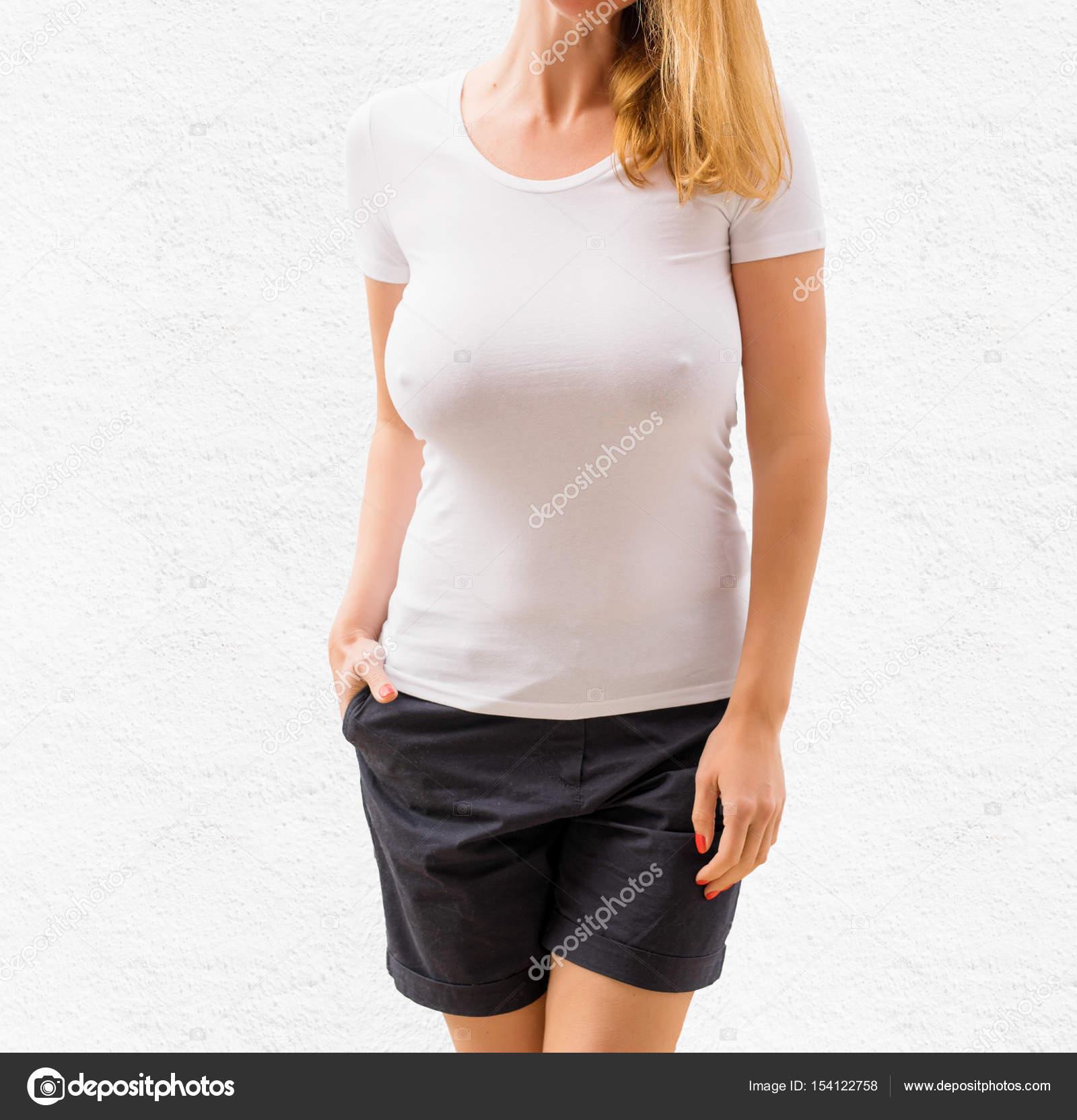 Sexy Frau in weißen leeren T-shirt-Vorlage — Stockfoto © grinvalds ...