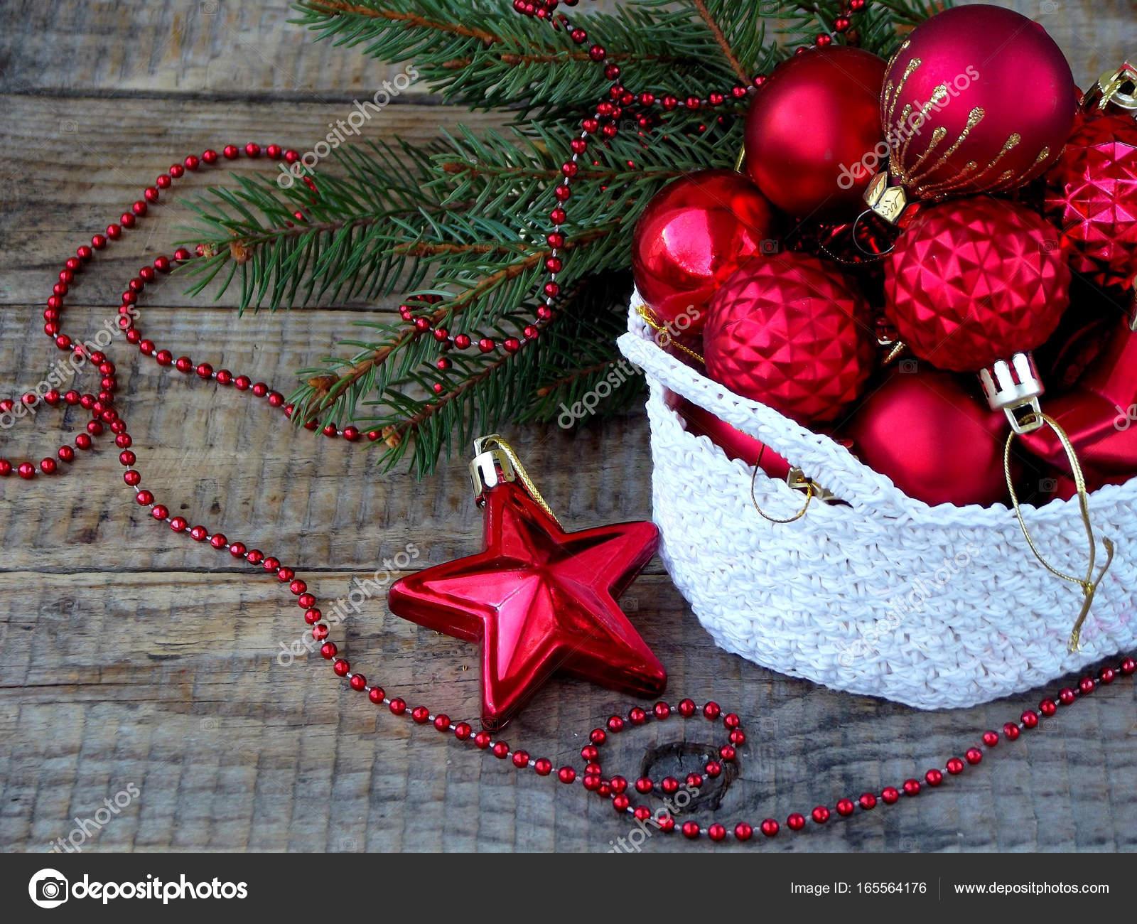 Blanco De Ganchillo Redonda Cesta Con Adornos De Navidad Rojo - Navidad-ganchillo