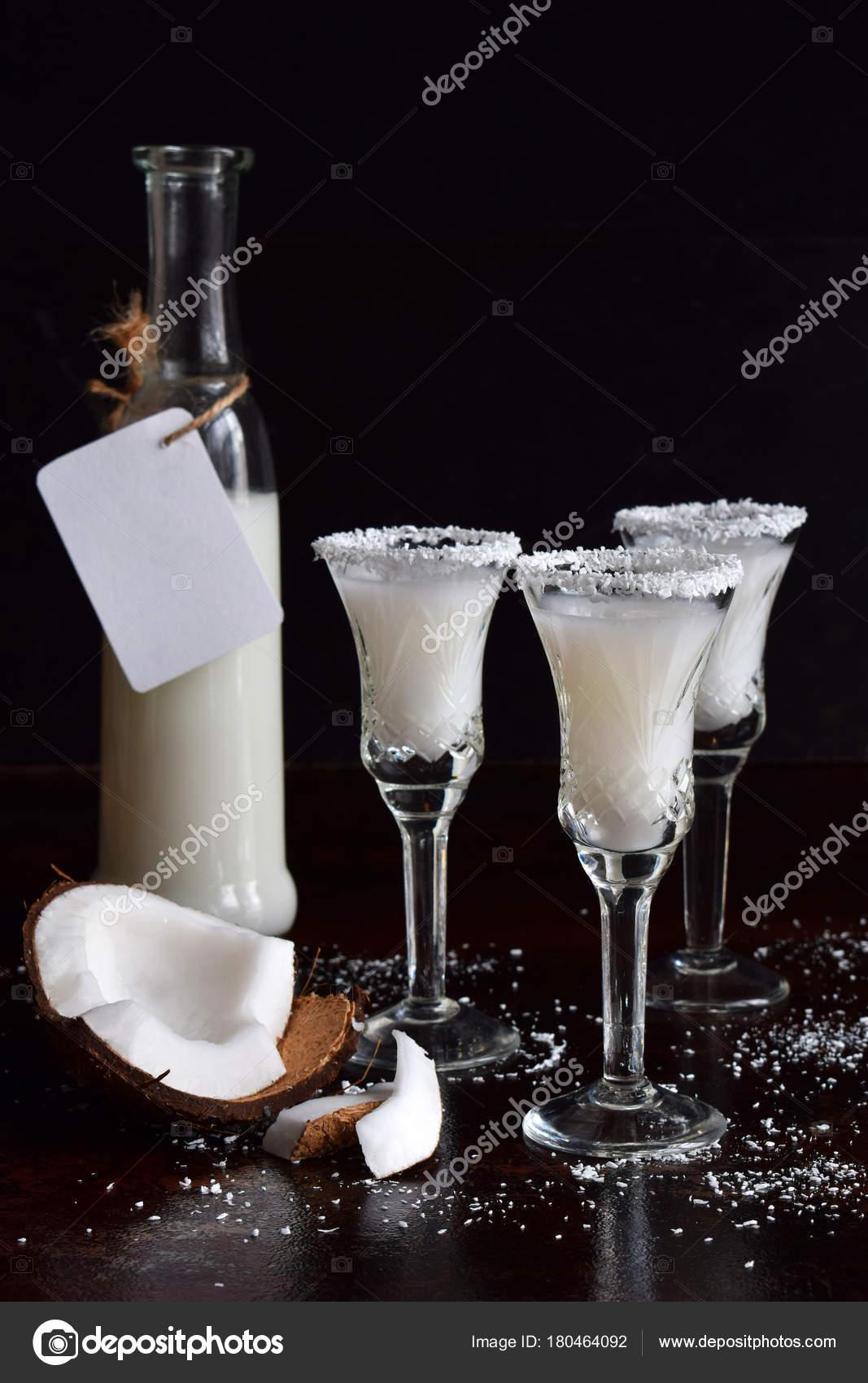 Как пить ликер Пина Колада изоражения