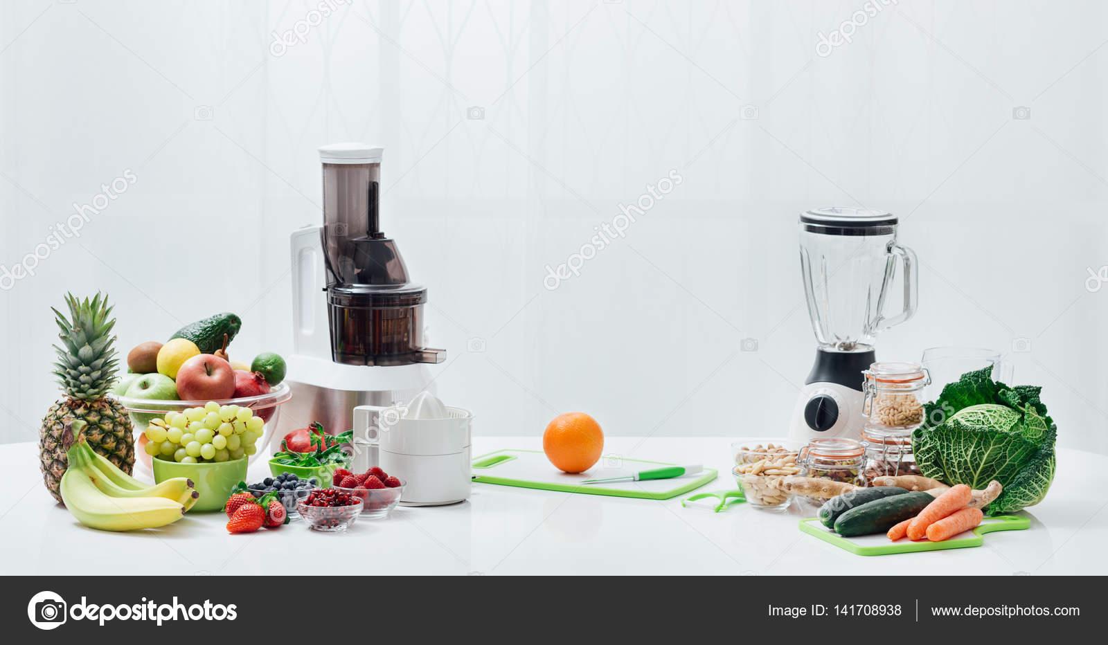 Frisches Obst Und Gemuse Entsafter Stockfoto C Stockasso 141708938