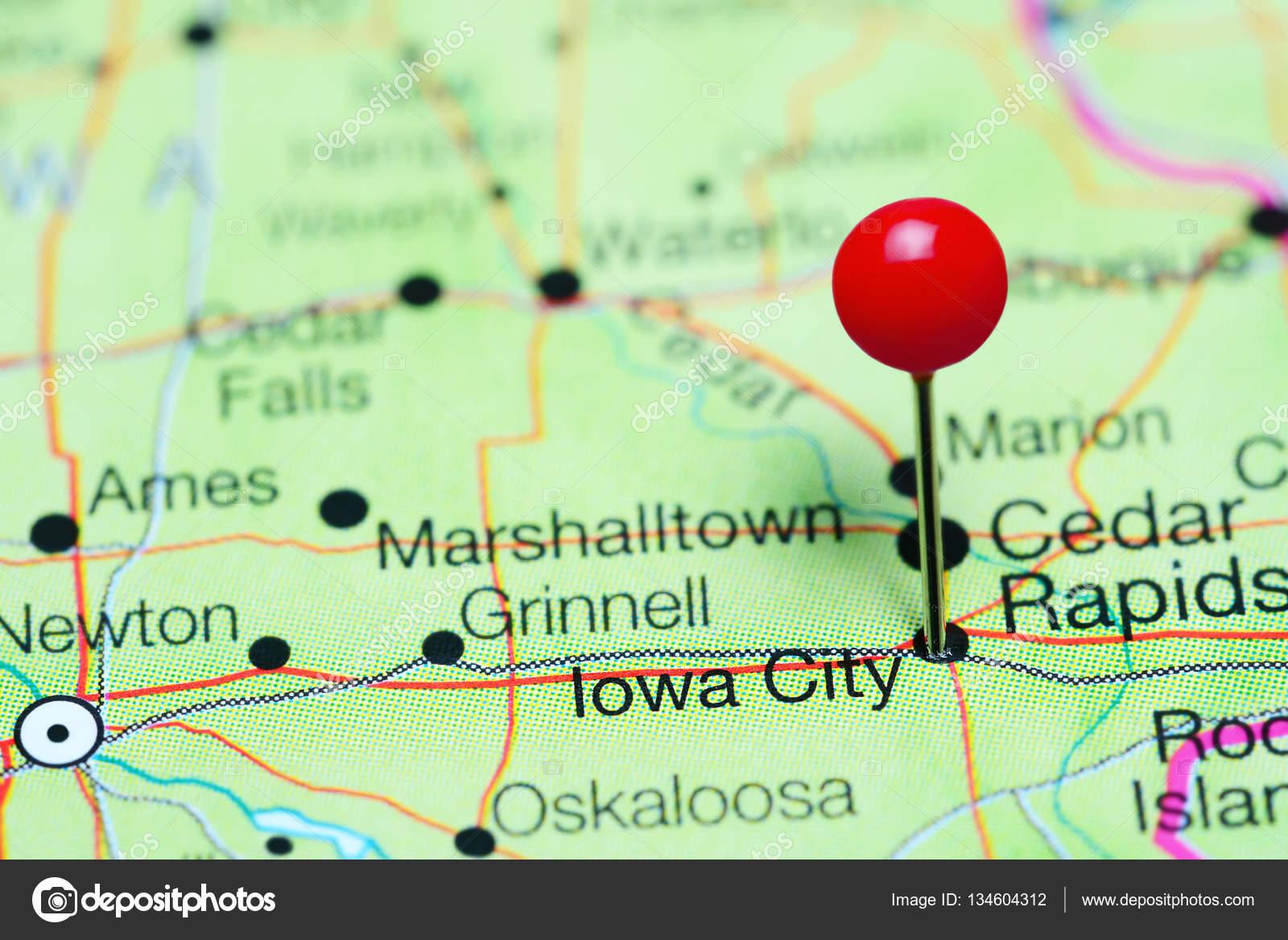 Fotos de Iowa City en un mapa de Iowa, Estados Unidos