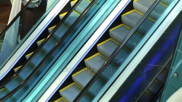Eskalátor mechanismus pohyb krok lezení