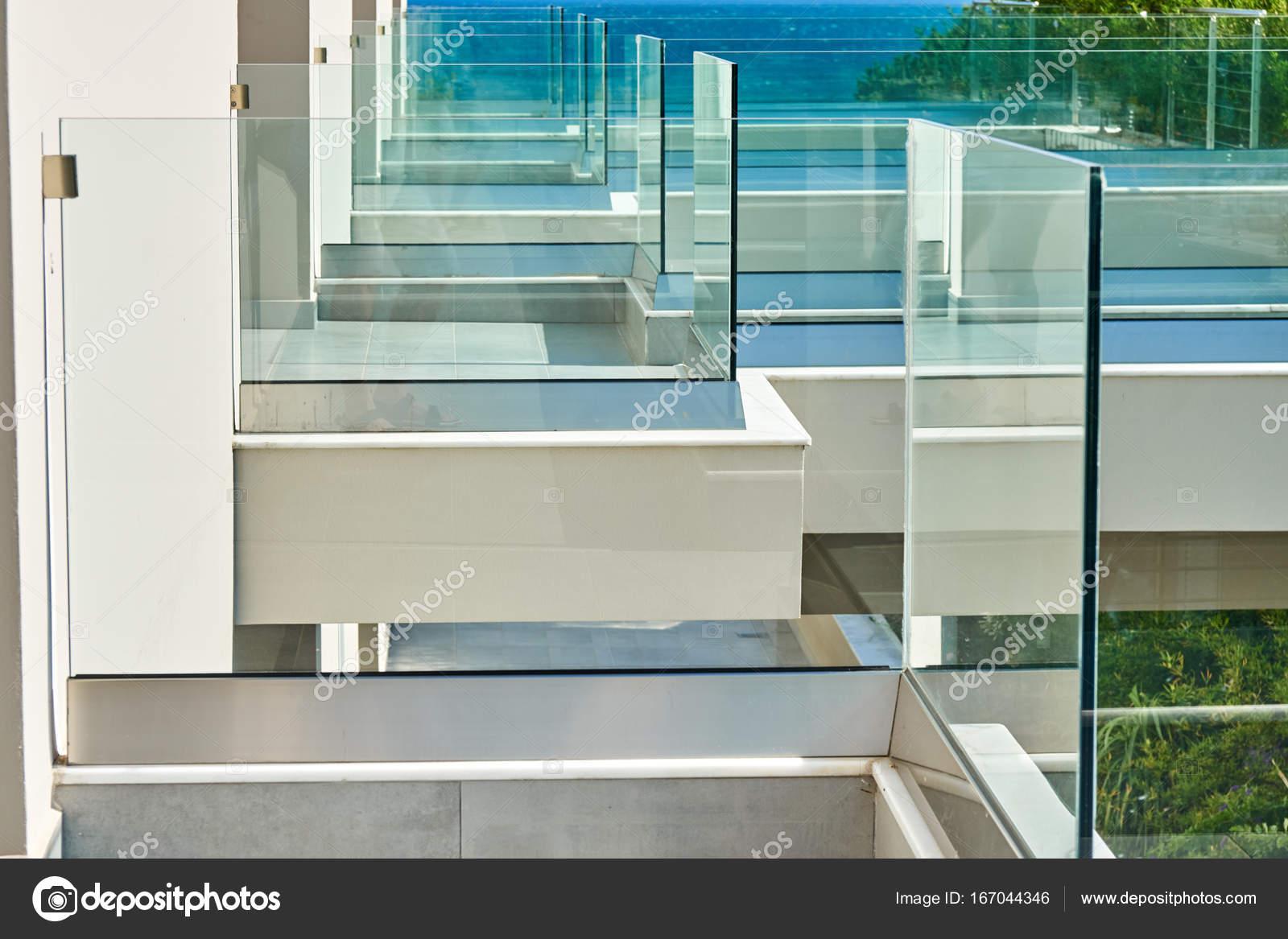 Glas Zaun Im Hotel Am Meer Stockfoto C Timltv 167044346