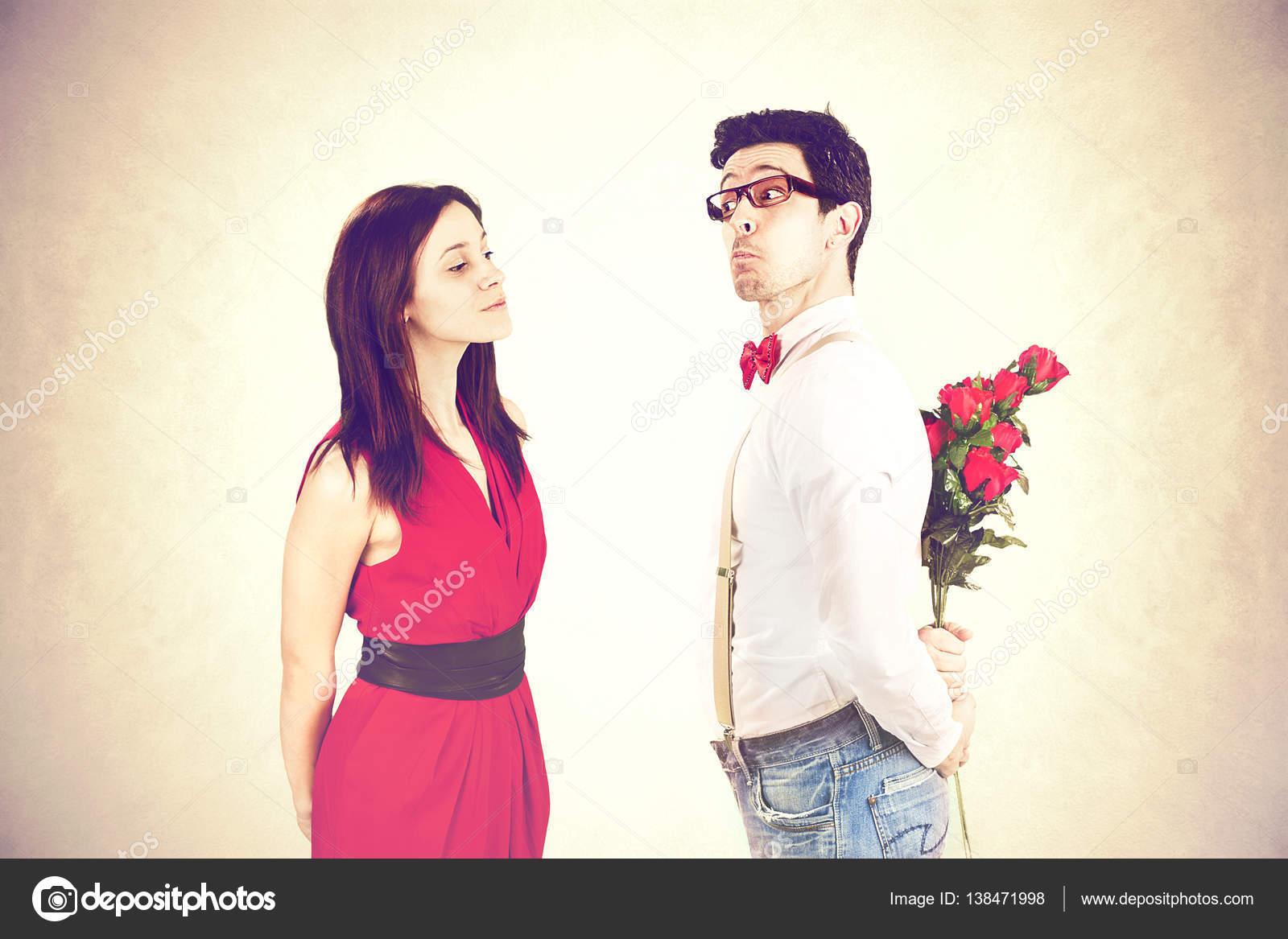 Dating uppvaktning och engagemangberäkna yngsta dating ålder