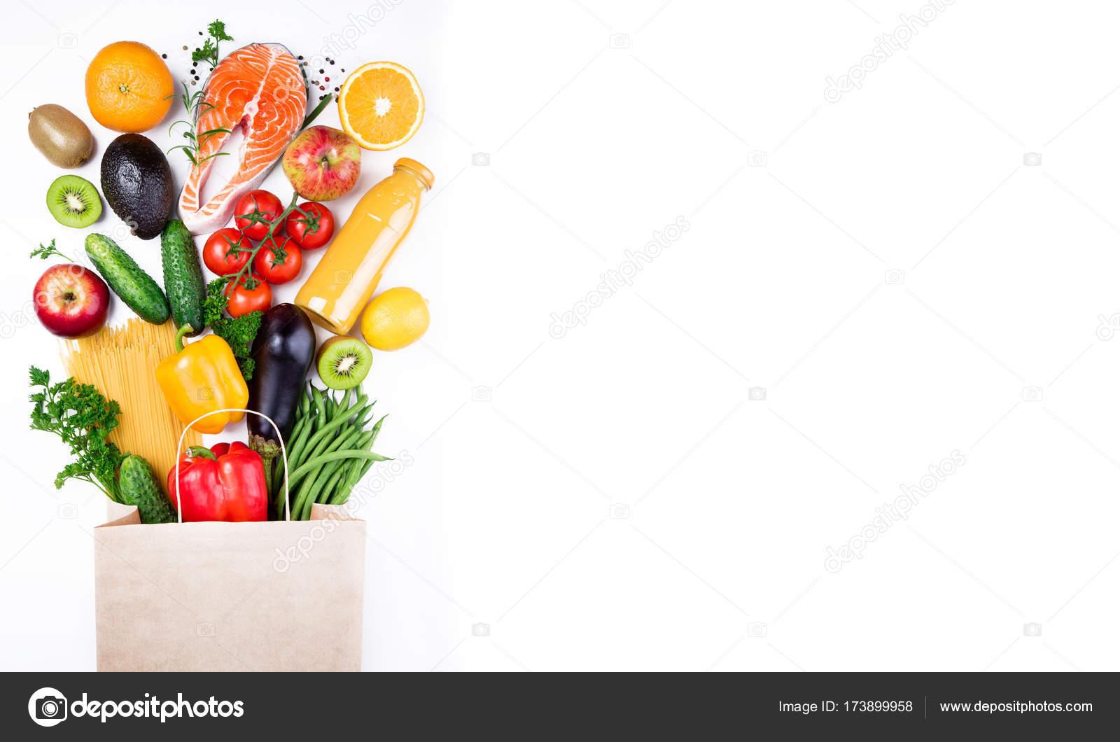 T o zdrowej ywno ci zdrowe jedzenie w papier torba ryby warzywa i owoce na bia ym zakupy - Stock cuisine saint priest ...