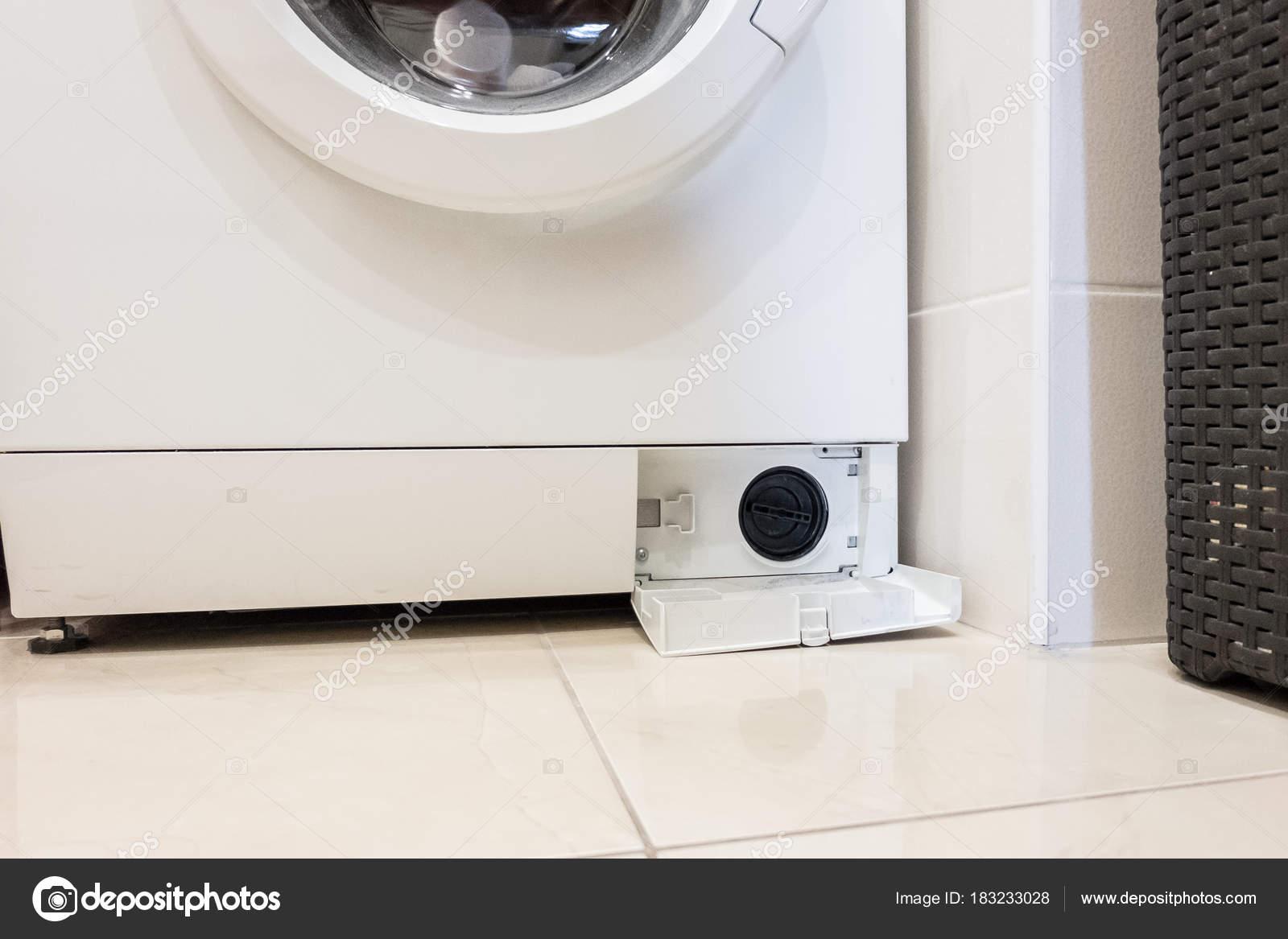 Waschmaschine Bad Mit Tür Und Filter U2014 Stockfoto