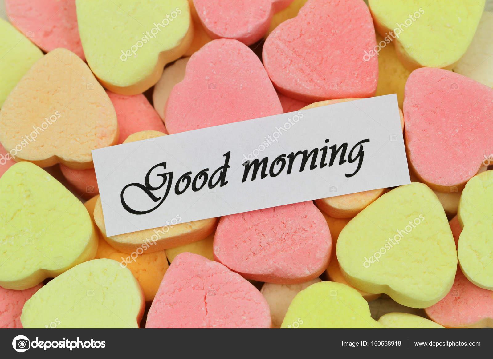 Scheda Di Buongiorno Con I Cuori Di Zucchero Colorato Foto