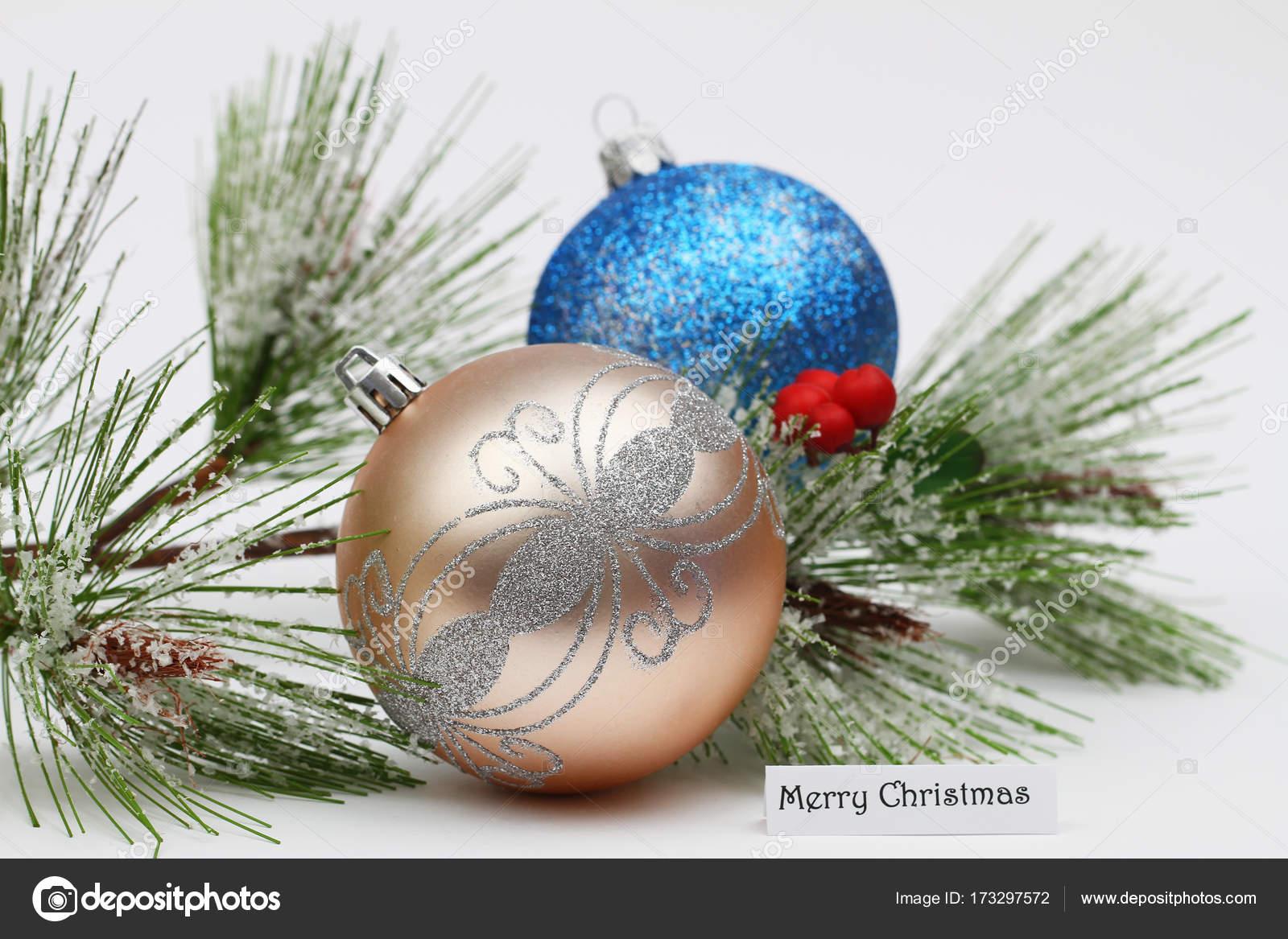 Lustige Weihnachtskugeln.Lustige Weihnachtskarte Mit Bunten Weihnachtskugeln Und Kiefer Mit