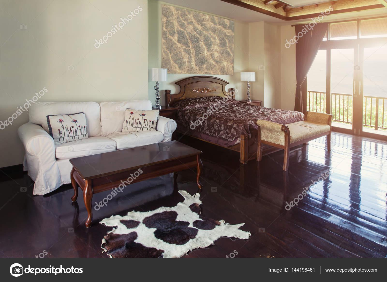 Luxus Villa Schlafzimmer Innenarchitektur — Stockfoto © AnnaTamila ...