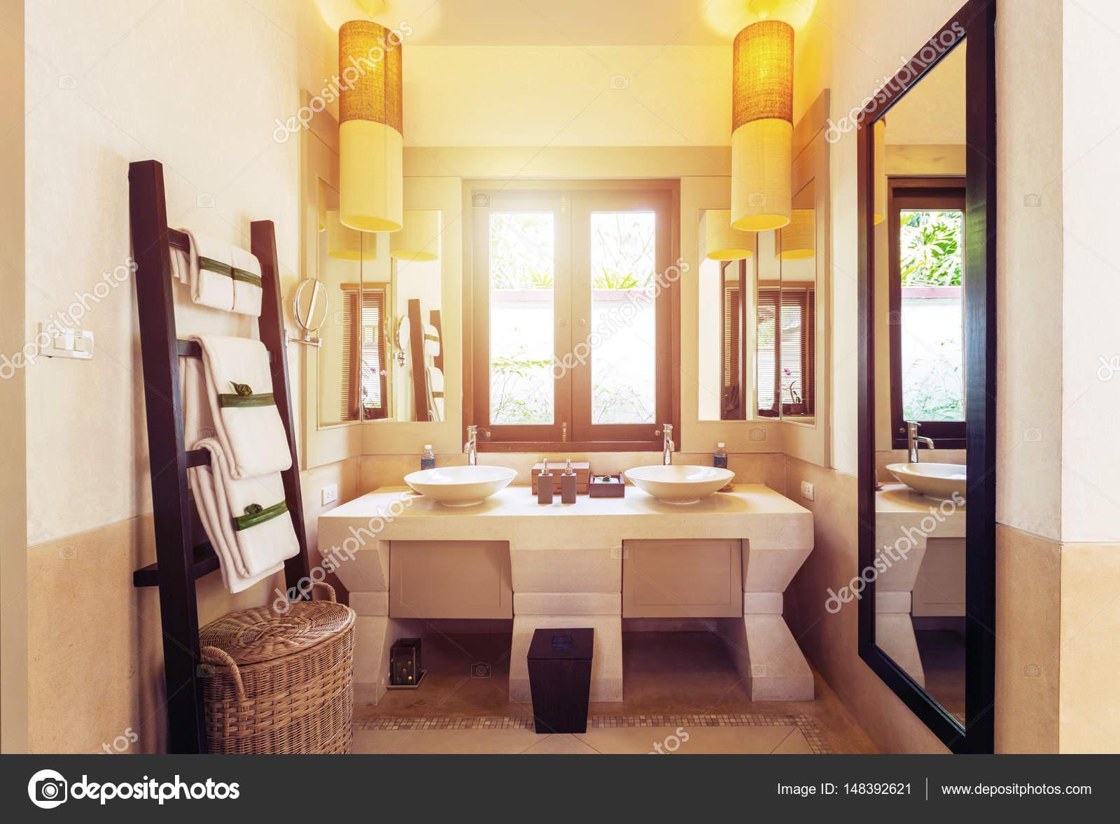Design Bagno Moderno : Design bagno moderno u foto stock annatamila