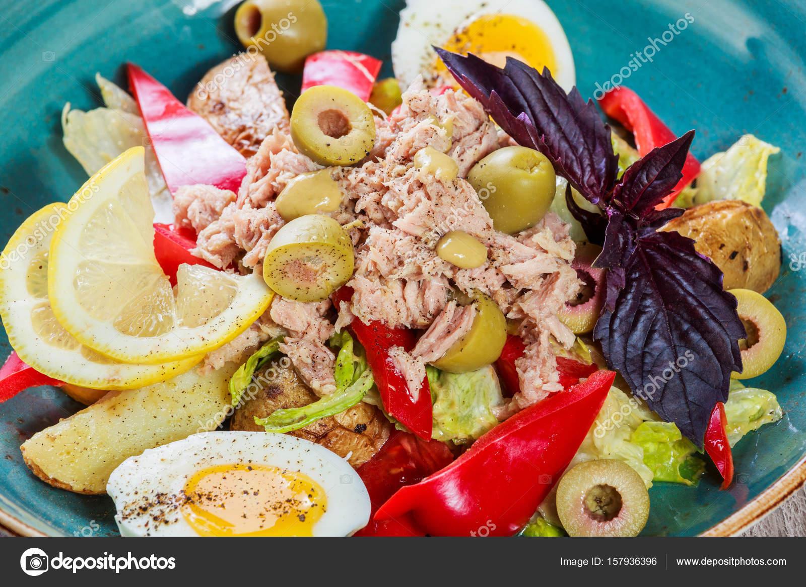 Aggsallad med oliver