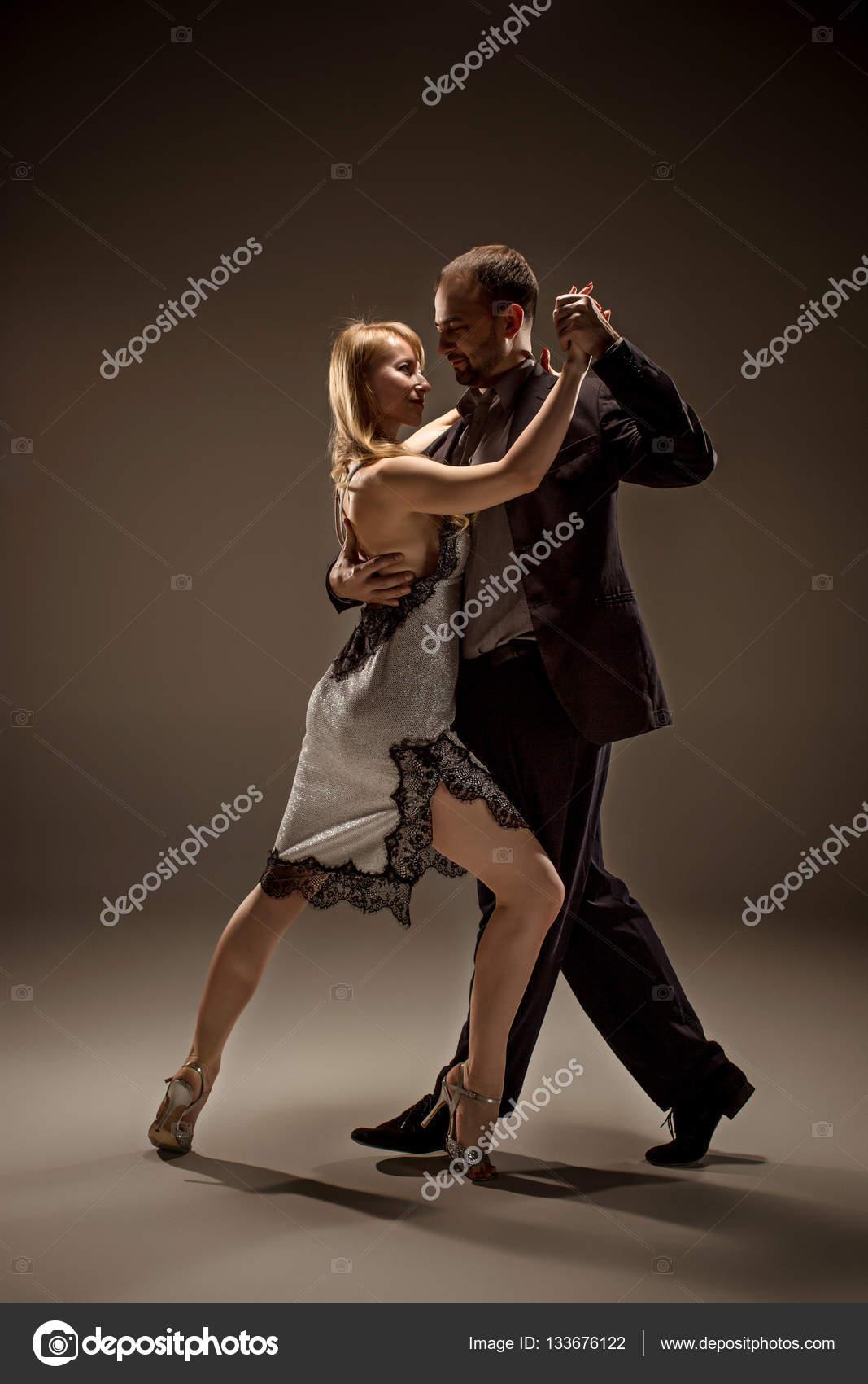 Красивое сексуальное аргентинское танго танец