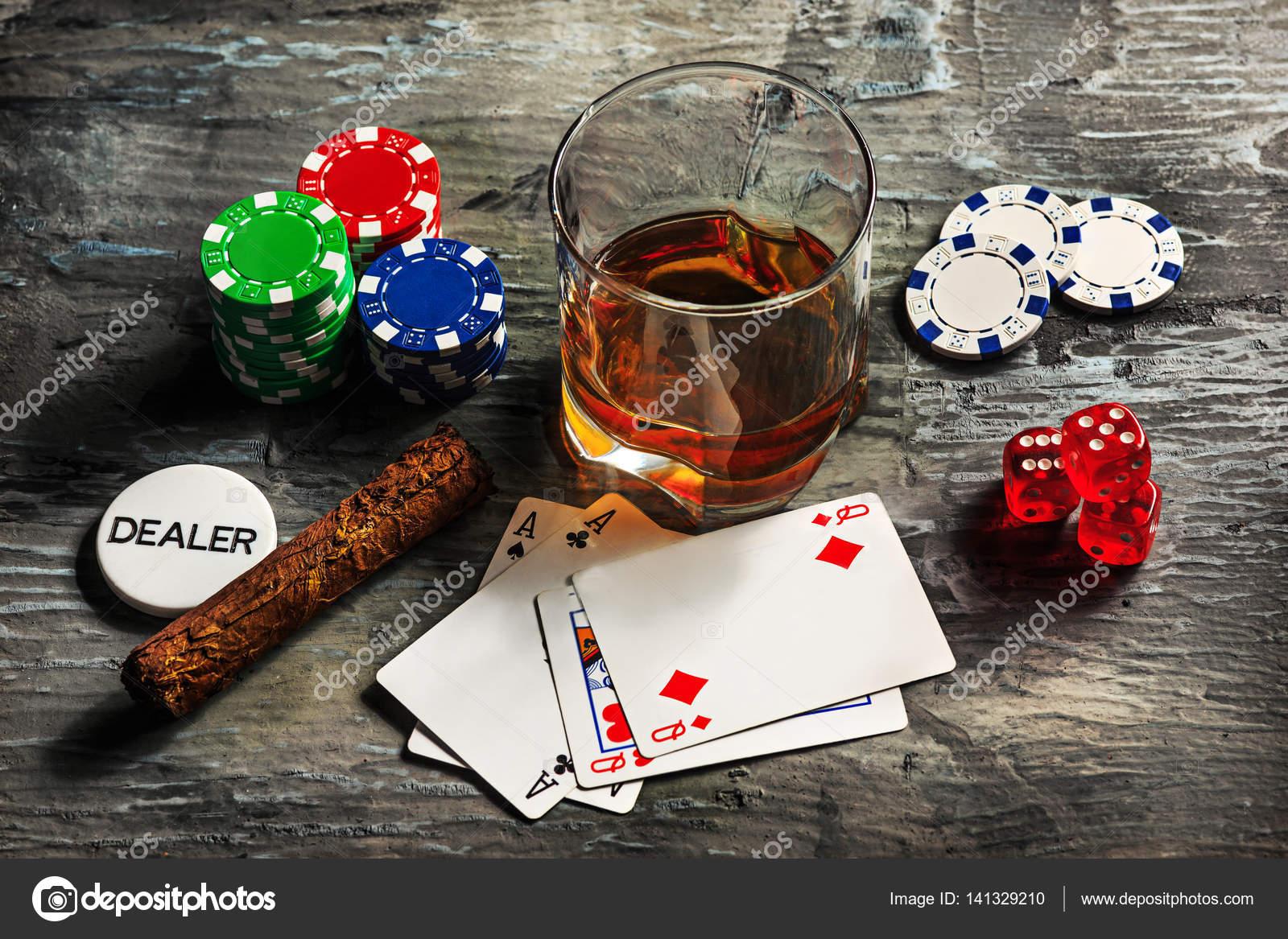 Imagenes Cartas Para Juegos Cigarro Chips Para Juegos Beber Y
