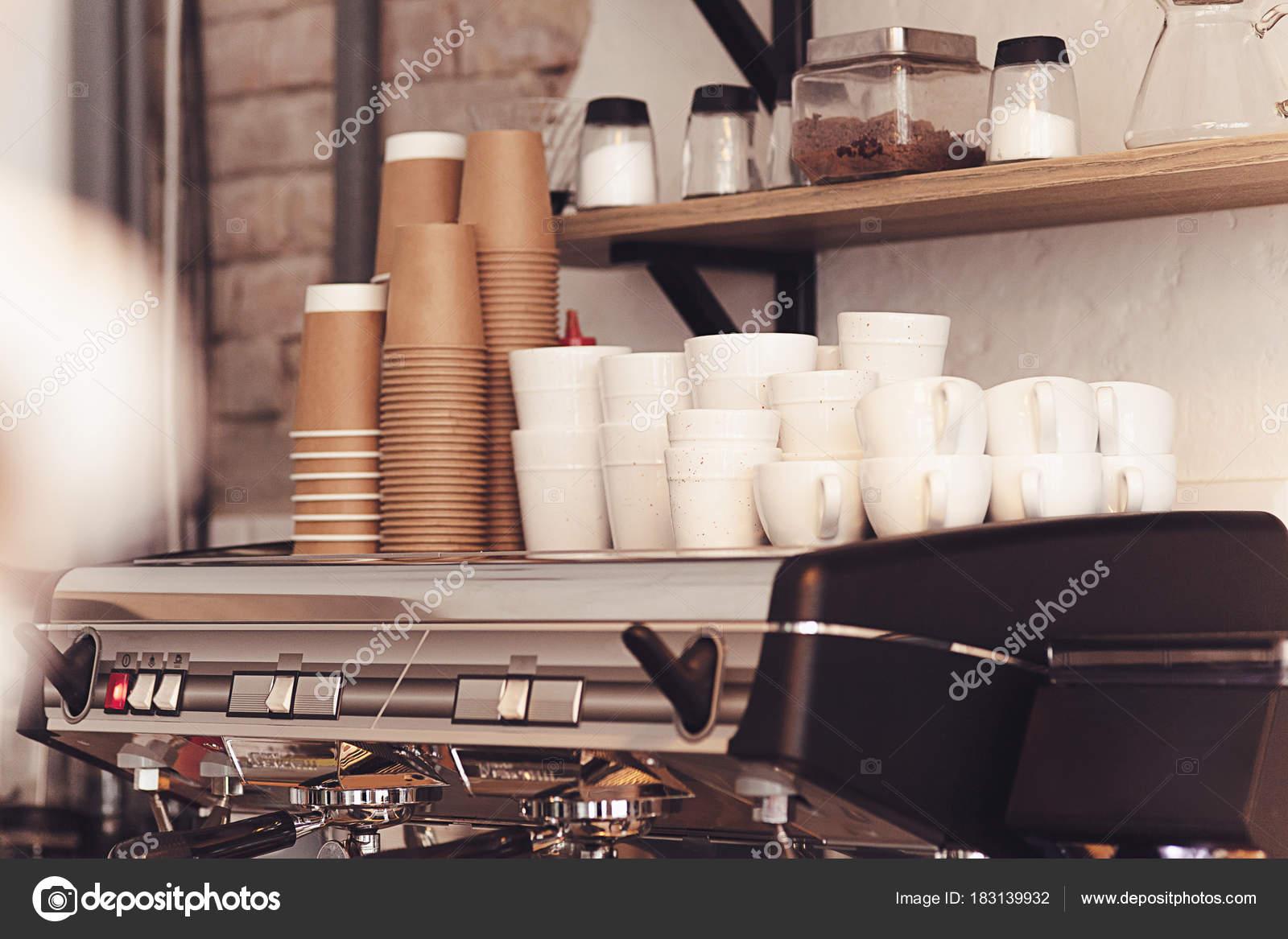 Eine Tischdekoration Für Kaffee An Der Theke Ein Coffee House Stockfoto