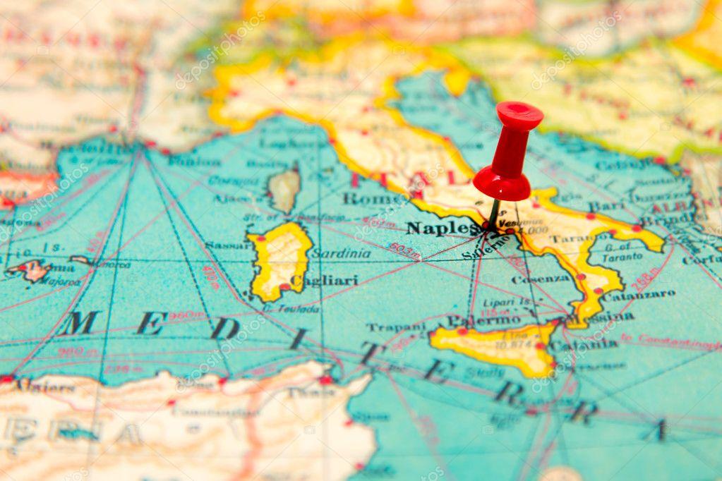 napoles mapa Nápoles, Italia en vintage mapa de Europa — Fotos de Stock  napoles mapa