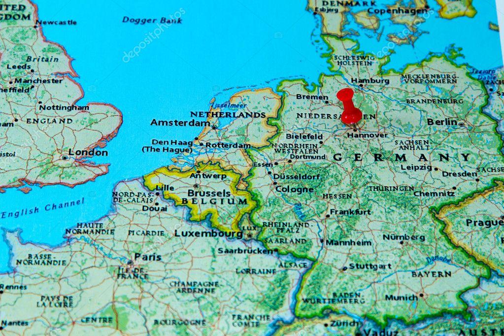 Frankfurt Karte Europa.Hannover Deutschland Fixiert Auf Einer Karte Von Europa