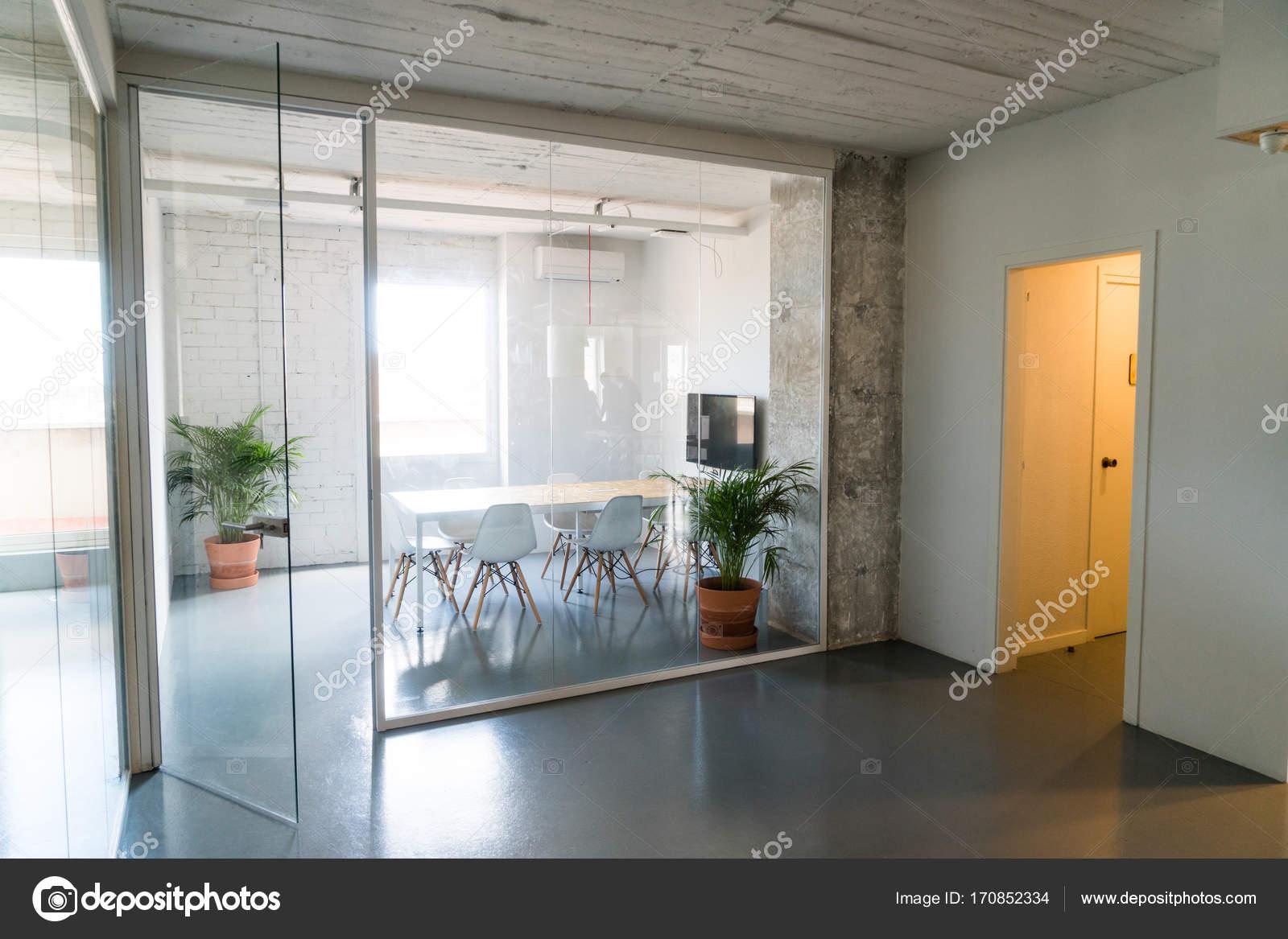 Modern Kantoor Interieur : Interieur van stijlvol modern kantoor hall u stockfoto skat