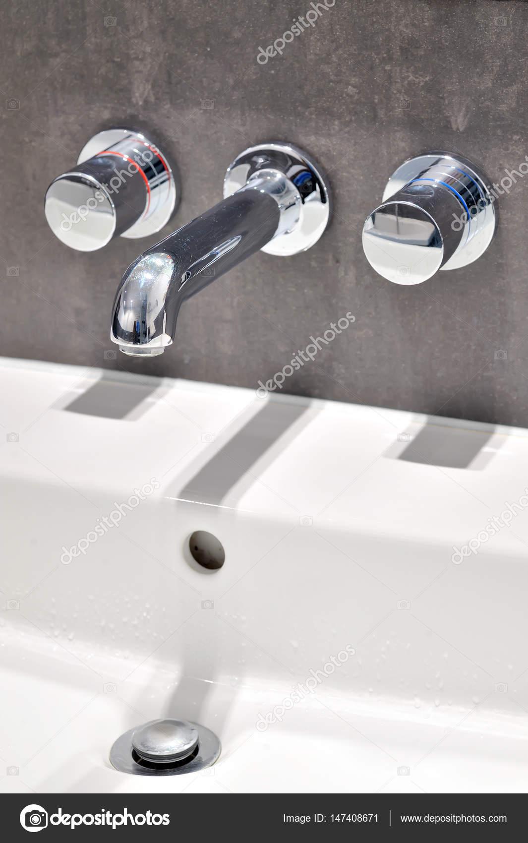 Details Des Modernen Badezimmer Armaturen U2014 Foto Von Icarmen13