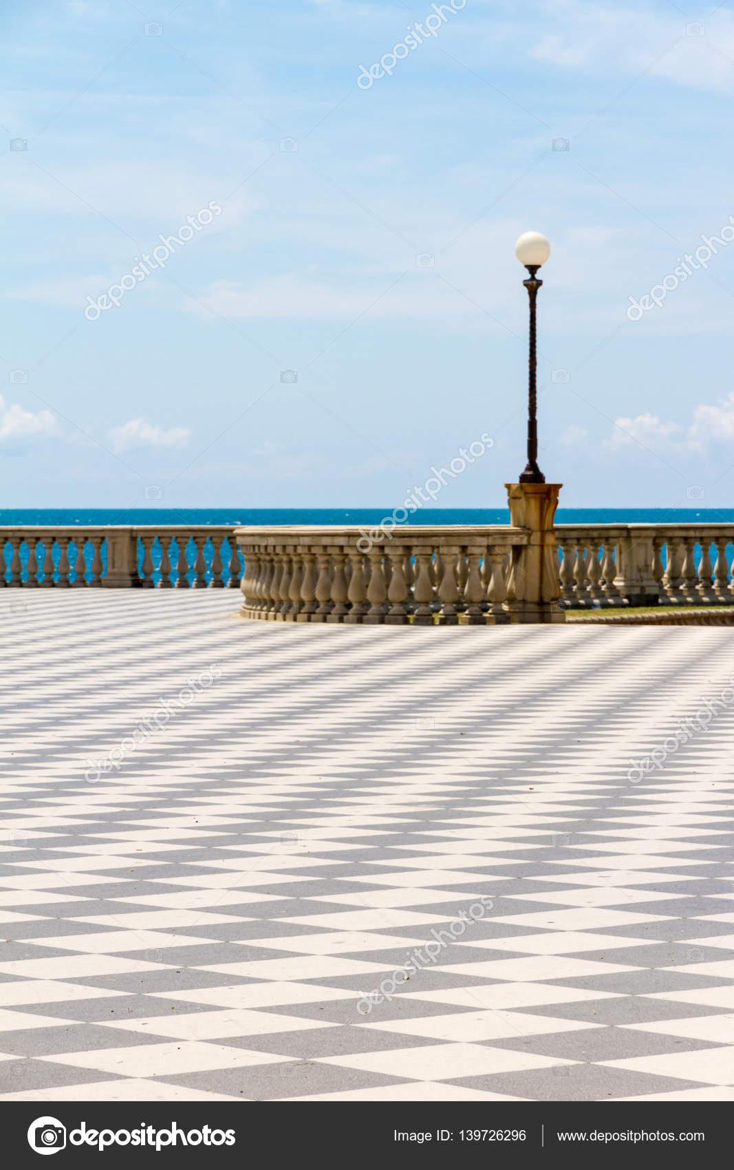 Terrazza Mascagni in Livorno, Italy — Stockfoto © digitalsignal ...