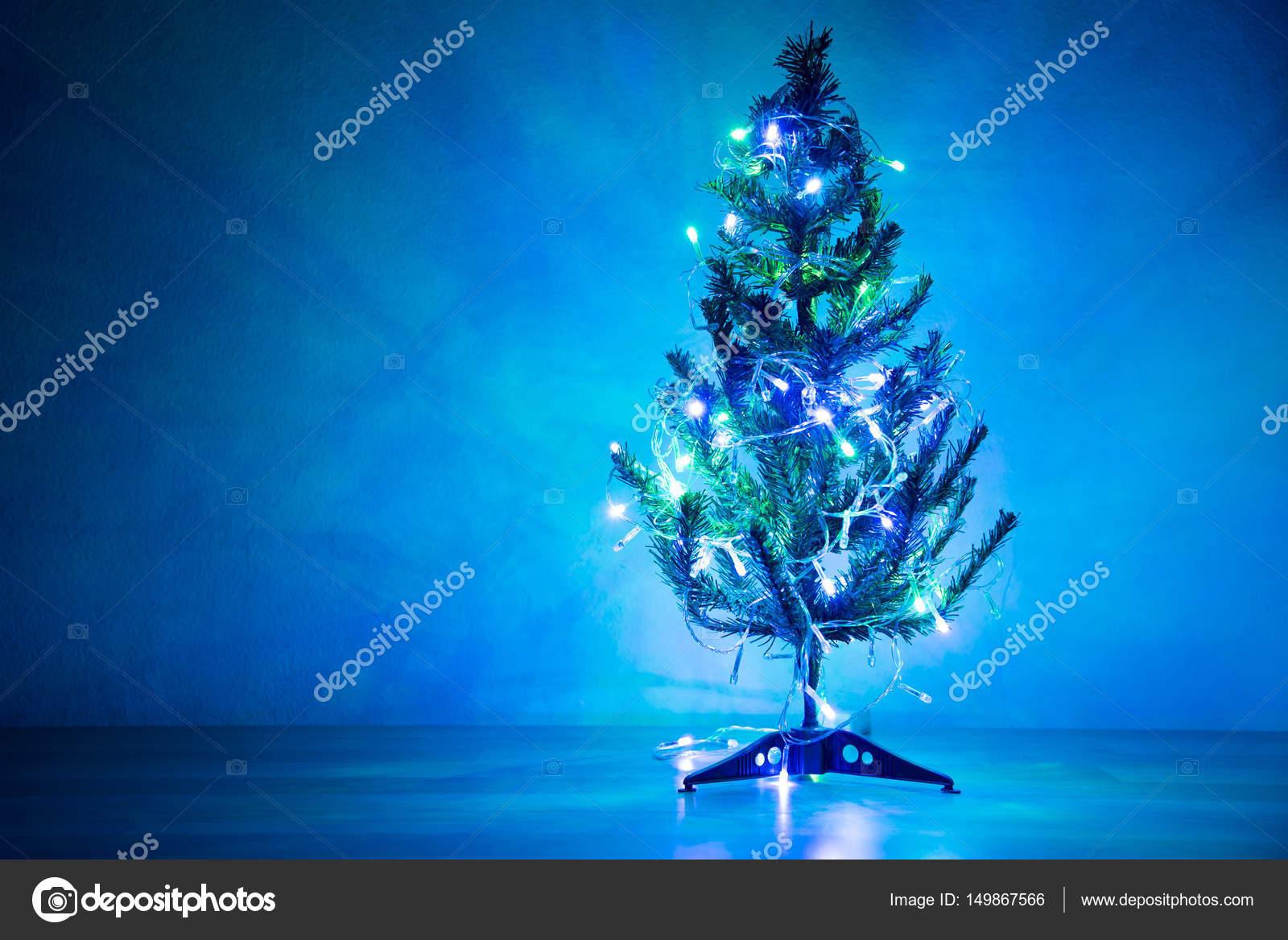 Ornement De Sapin De Noël Avec La Couleur Bleu Clair Photographie