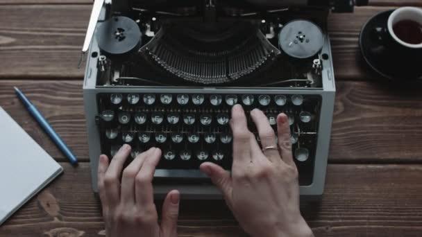 Író gép retro írás gépelés.