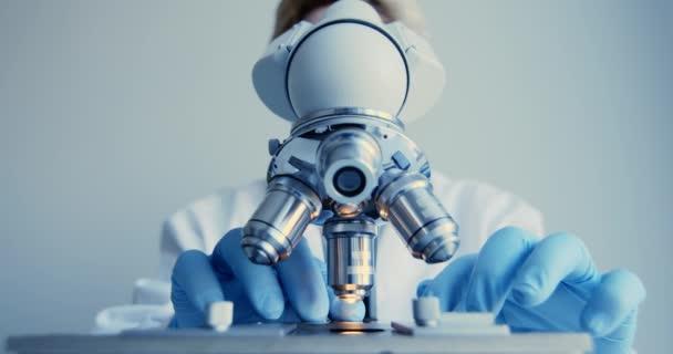 Mikroskop Nahaufnahme im Labor