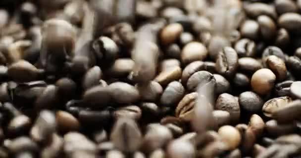 Zeitlupenaufnahme von Kaffeebohnen