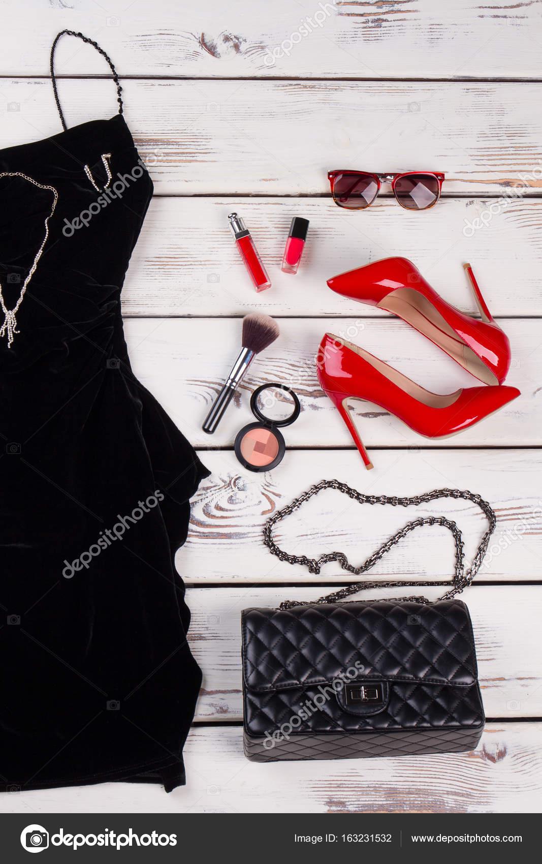 4f7637f22dcf Oblečení doplňky módní Set — Stock Fotografie © margostock  163231532