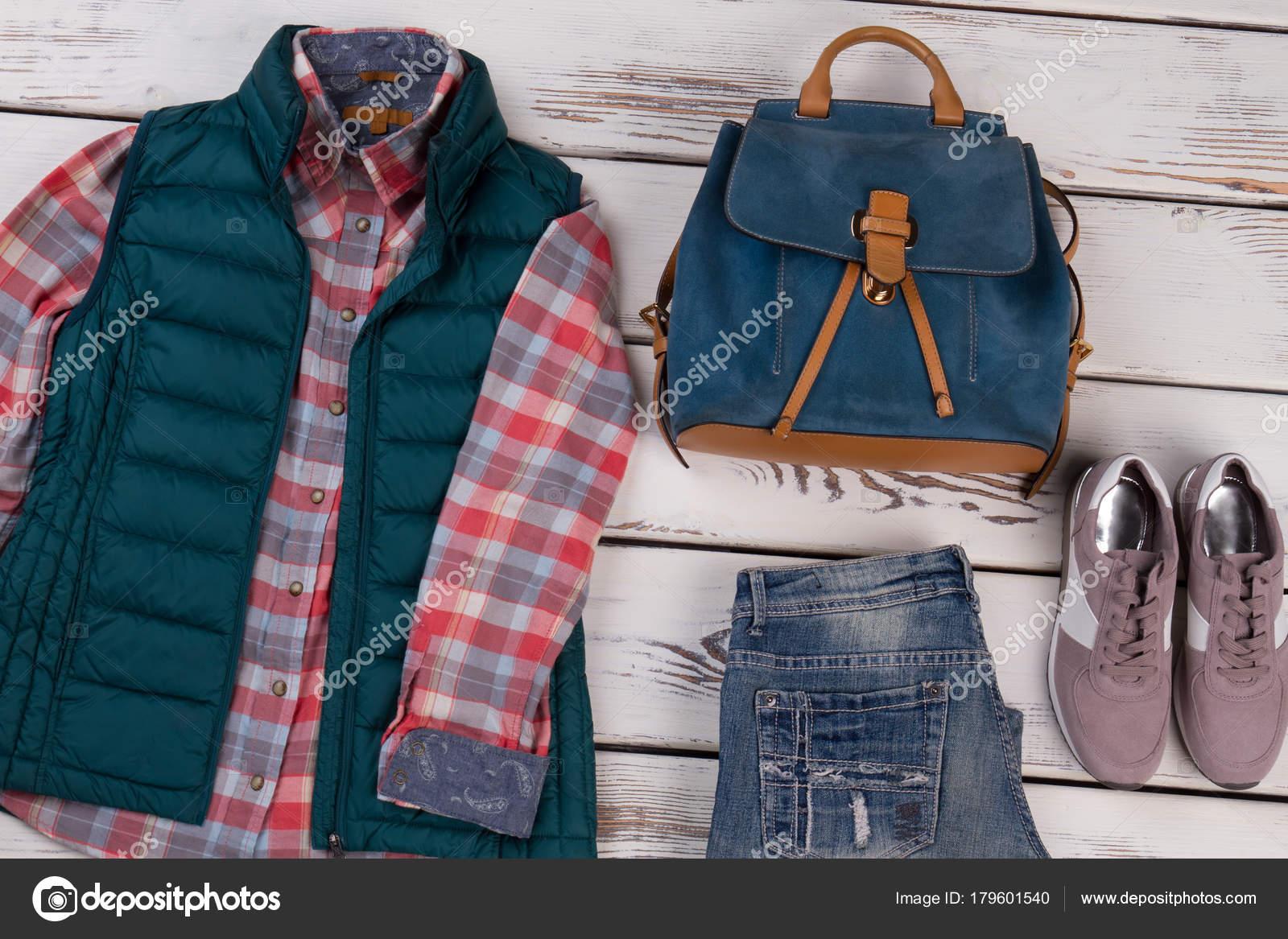 697e0d230a0b Νωρίς Φθινοπωρινά Ρούχα και αξεσουάρ — Φωτογραφία Αρχείου ...
