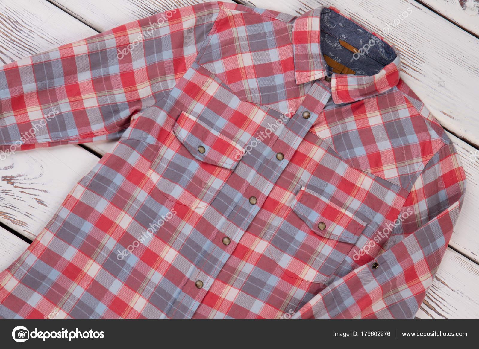 0f893fc73f Női kockás ing — Stock Fotó © margostock #179602276