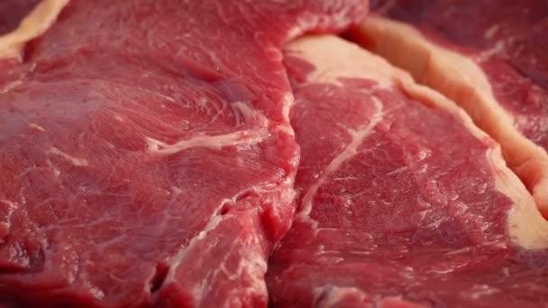 Syrové hovězí steaky rotující makro