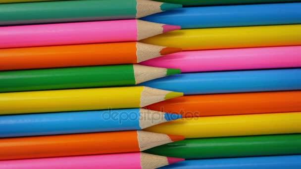 Makro snímek barevné tužky