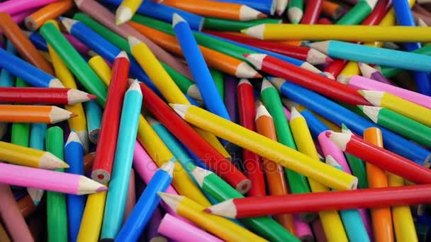 Hromadu zbarvení tužky