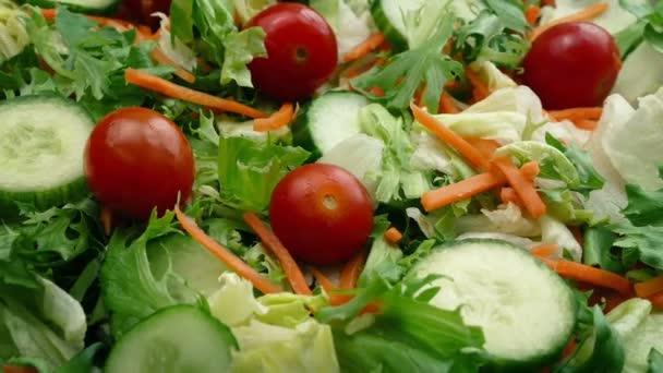 čerstvý míchaný salát