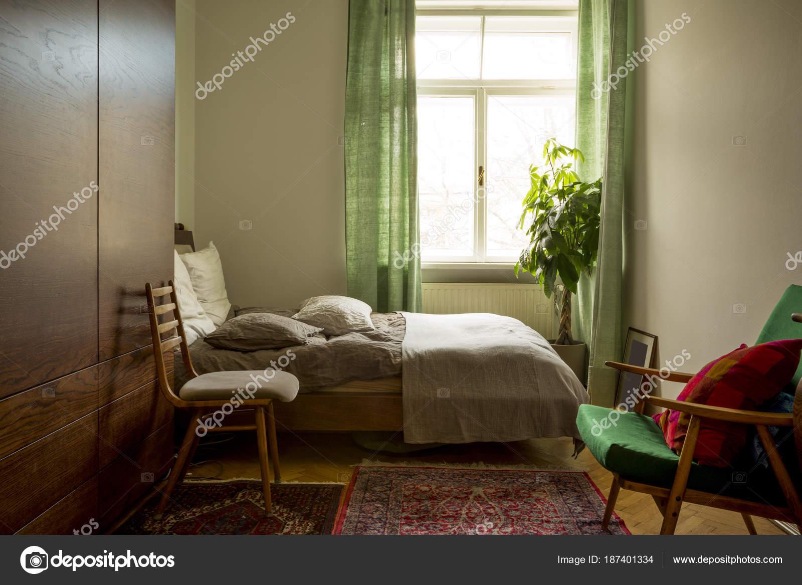Camera da letto contemporanea in stile scandinavo — Foto Stock ...