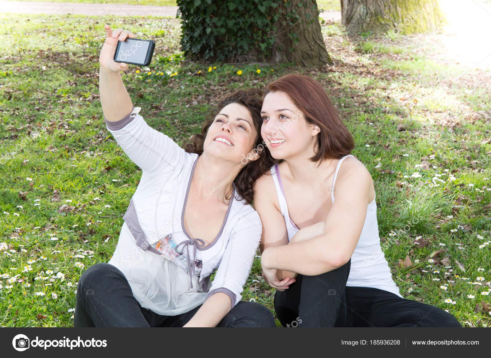 moeders vriend lesbische borsten porno