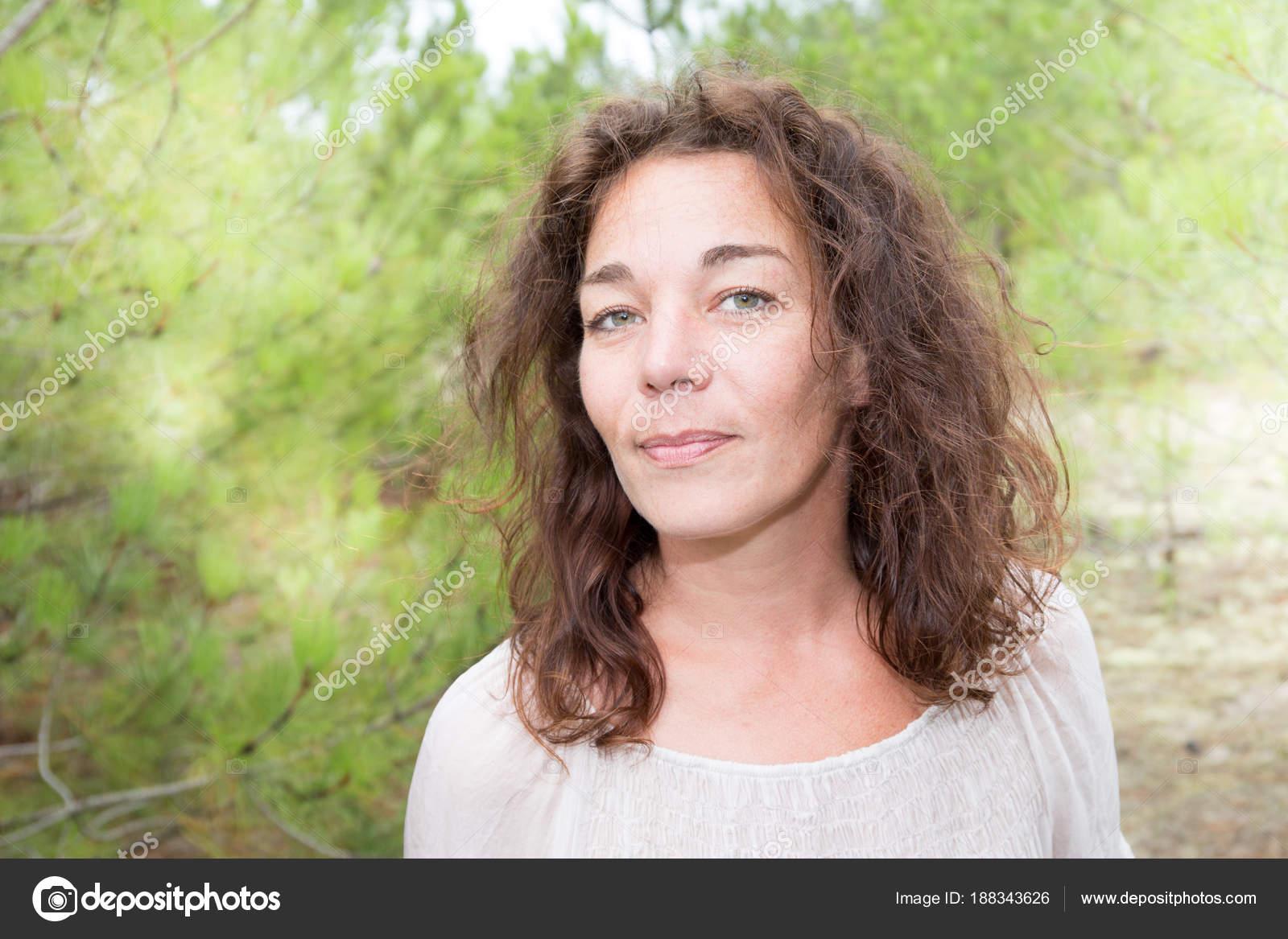 Прекрасная женщина в годах