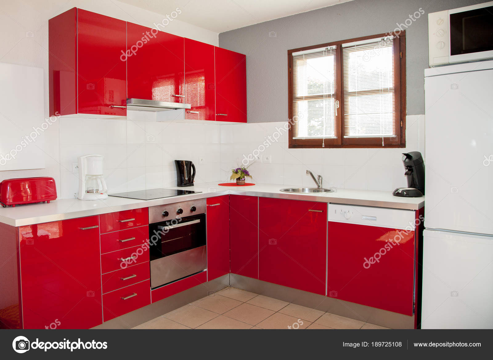 Picture Studio Containing Red Small Kitchen Sink Microwave Stock Photo C Oceanprod 189725108