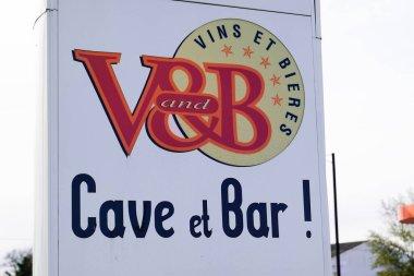 Bordeaux , Aquitaine / France - 11 07 2019 : vandb cave bar sign logo v&b v and b store wine beer French brand