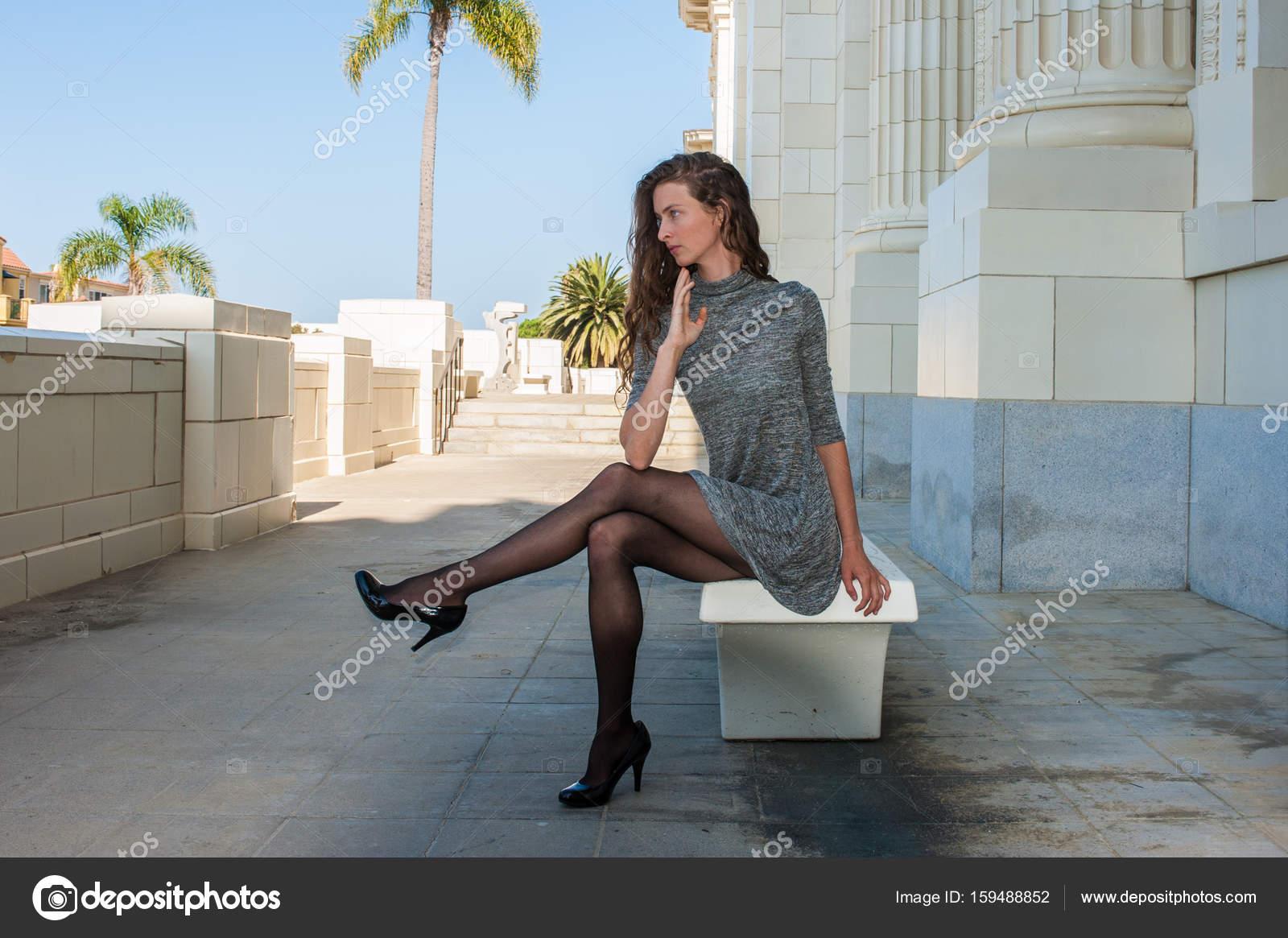 Imagenes de vestidos cortos con medias negras