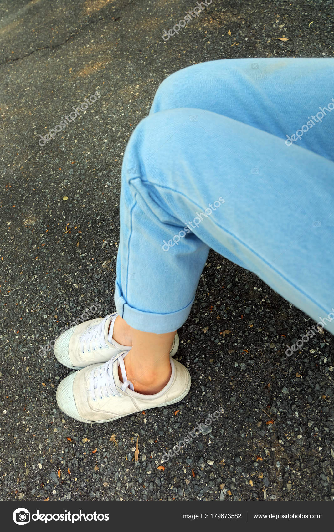 Blanco Blancas Zapatillas Zapatos Ropa Azul Selfie Close Mujer Jeans tsQrhdC