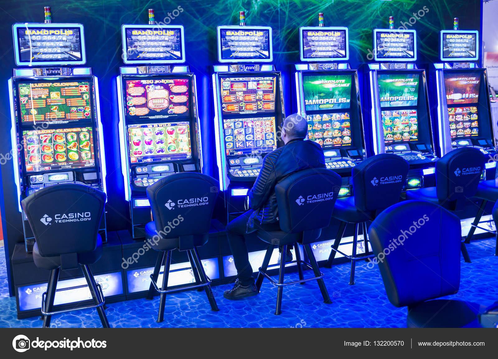 Игровые автоматы через интер азартные игры на деньги в интернете рулетка