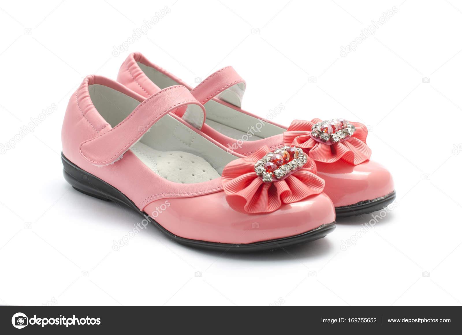 81c68bb1bd5 Παιδιά ροζ παπούτσια που απομονώνονται σε λευκό — Φωτογραφία Αρχείου ...