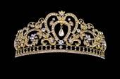 Corona doro su sfondo nero