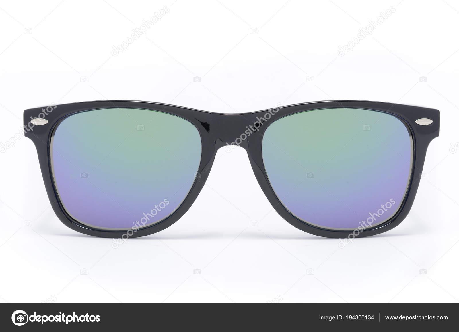 gafas de sol en el marco de plástico negro grueso con cristal ...
