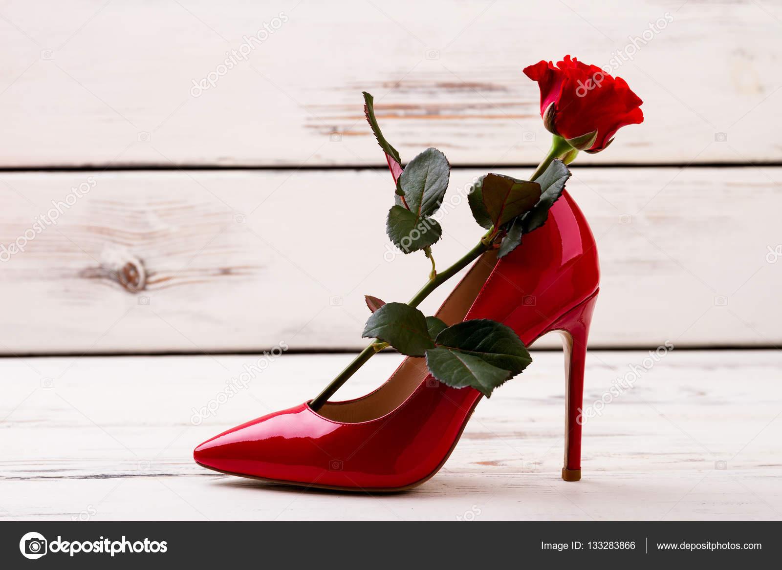 Rossa Con Rosa E Tacco Scarpe xZ6qwaA