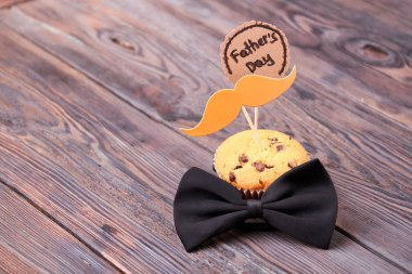 Fathers Day card and muffin.