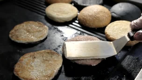 Špachtle a burger maso