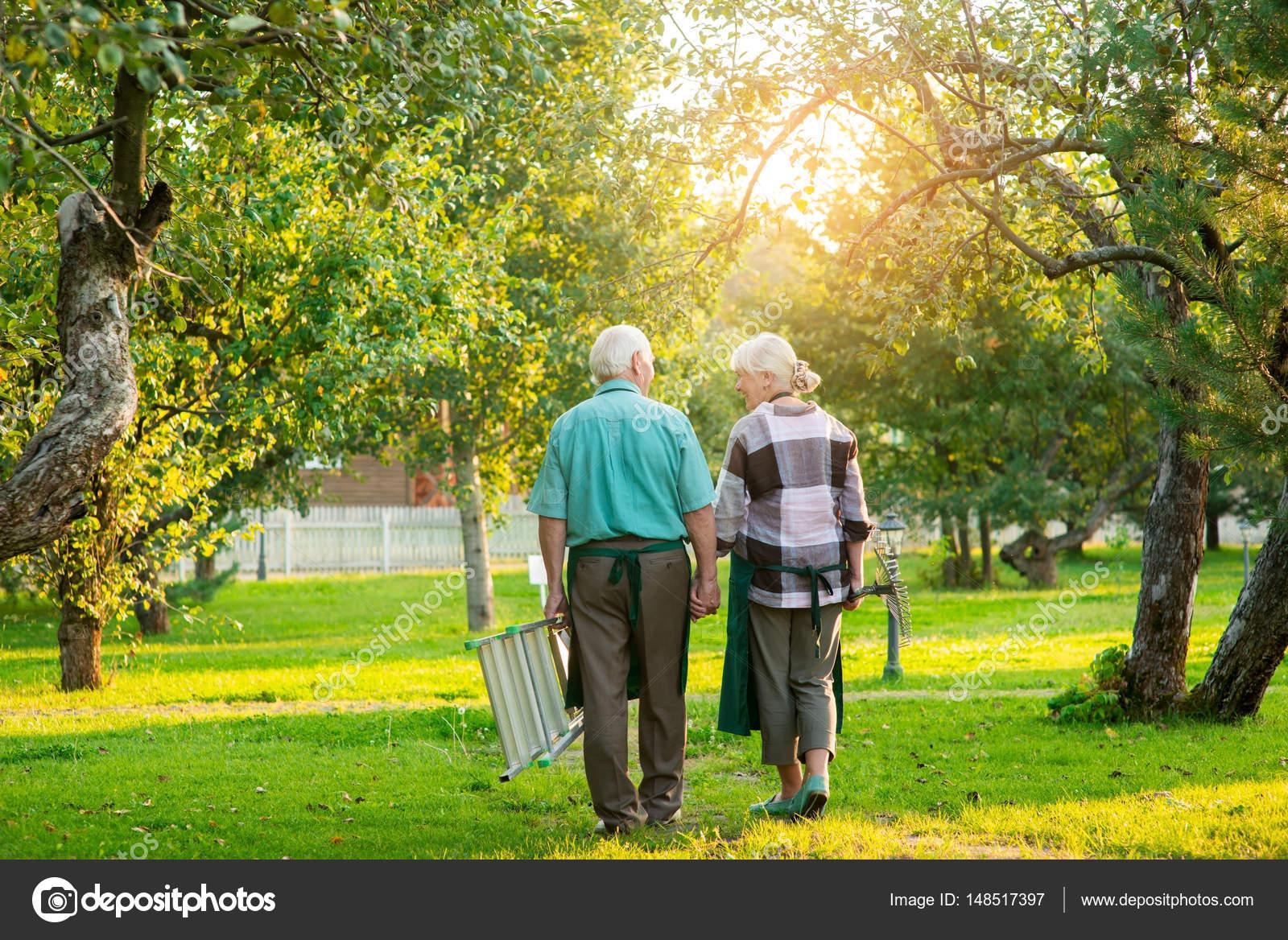 Spielzeit für Älteres Paar