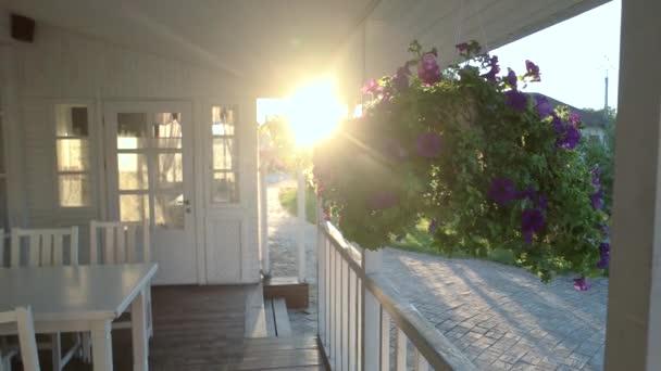 Dům verandu a slunce